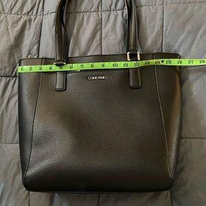 CALVIN KLEIN Zip-Top Handbag